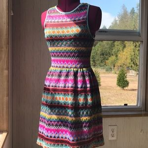 Sleeveless funky mid-thigh dress
